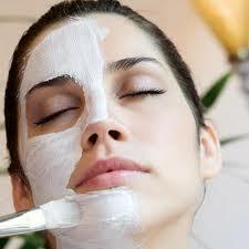 Personlig pleje med ansigtsbehandling