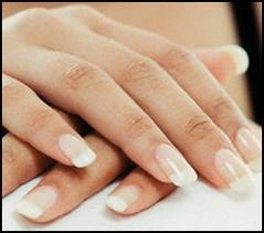 Brud plej din krop negle